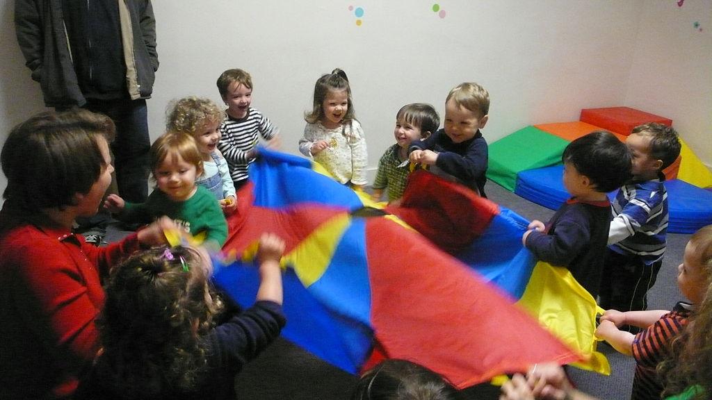 Kids_at_daycare.jpg