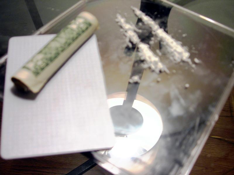 Lines_of_cocaine.jpg
