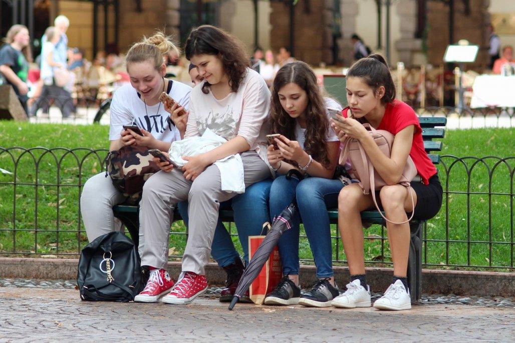 teen-phone.jpg
